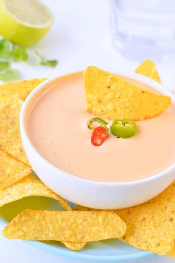 Vegan cheese dip for chips