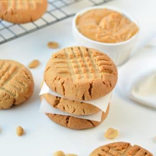3 INGREDIENTS VEGAN PEANUT BUTTER COOKIES #vegancookies #peanutbuttercookies #3ingredients #vegan #veganbaking #vegarecipes #easy #healthy #glutenfree #cookies