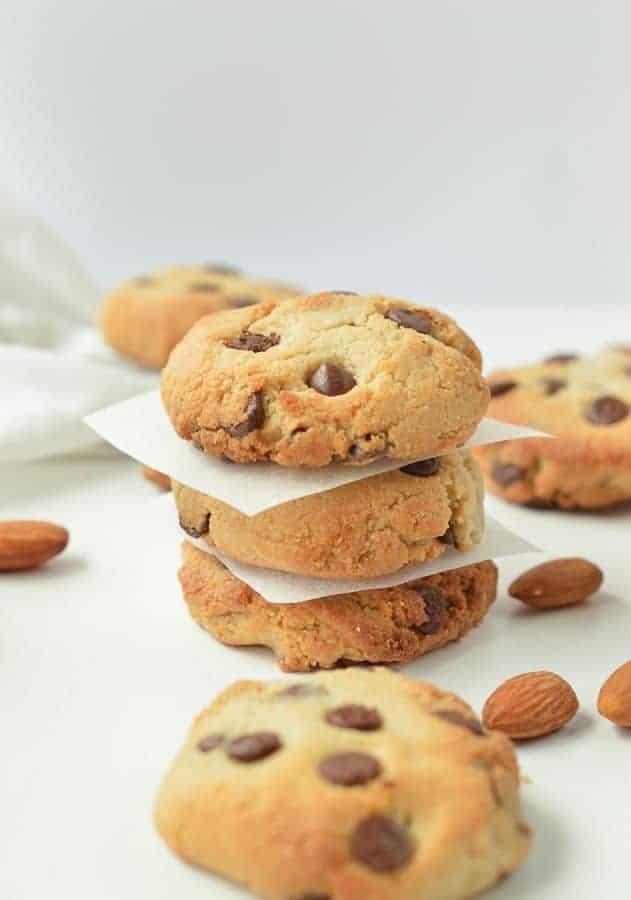 ALMOND FLOUR CHOCOLATE CHIPS COOKIES vegan, healthy, easy #almondflourcookies #almondflour #vegancookies #vegan #easy #heatlhy #paleo #glutenfree #grainfree