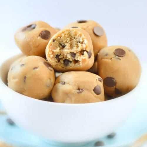 NO BAKE COOKIE DOUGH BALLS easy, healthy vegan snack #nobake #cookiedough #almondflour #coconutflour #vegan #vegansnacks #snacks #noegg #chocolatechip #glutenfree #healthy #edible #raw
