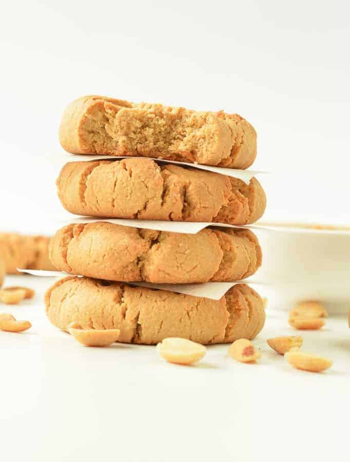HEALTHY 4 INGREDIENTS PEANUT BUTTER COOKIES #healthypeanutbuttercookies #peanutbutter #cookies #healthycookies #healthy #veganookies #vegan #4ingredients #veganglutenfree #glutenfreecookies #veganpaleo #grainfreecookies #easypeanutbuttercookies #healthyveganrecipes #veganbaking #vegansnacks #healthyvegansnacks