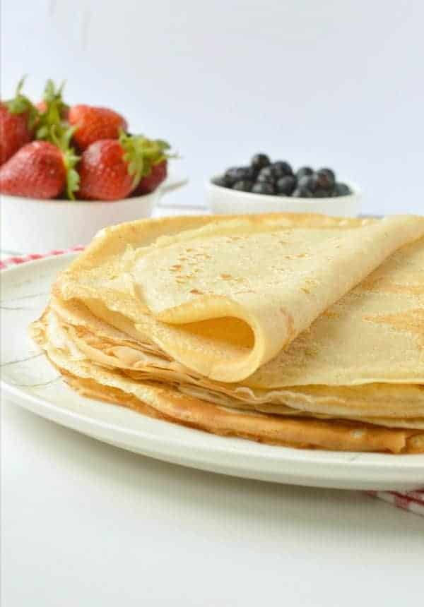 EASY VEGAN CREPES 5 ingredients healthy breakfast or dessert #vegancrepes #vegan #crepes #breakfast #desserts #healthy #5ingredients #sweet
