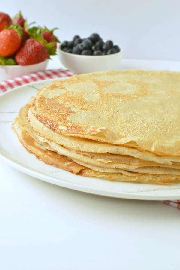 EASY VEGAN CREPES 5 ingredients healthy breakfast or dessert #vegancrepes #vegan #crepes #breakfast #desserts #healthy #5ingredients #sweet