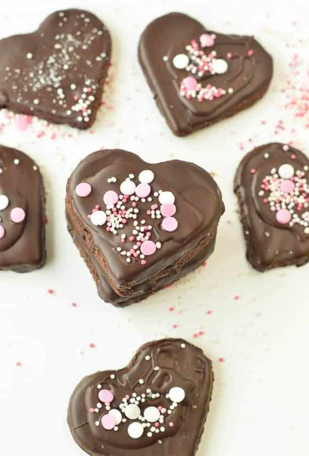 HEALTHY CHOCOLATE SHORTBREAD COOKIES VEGAN 4 ingredients #vegancookies #vegan #veganshortbread #shortbreadcookies #easyshortbreadcookies #chocolateshortbread #easycookies #glutenfreeshortbread #glutenfree #almondflour #4ingredients