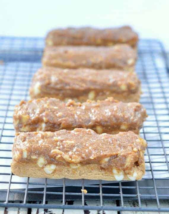 Healthy Snickers candy bars No Bake #snickerscanybars #healthysnickers #healthybars #healthy #vegansnickers #vegan #raw #nobake #homemadesnickers #vegandesserts #veganrawdesserts #vegansnacks #desserts #cleantreats