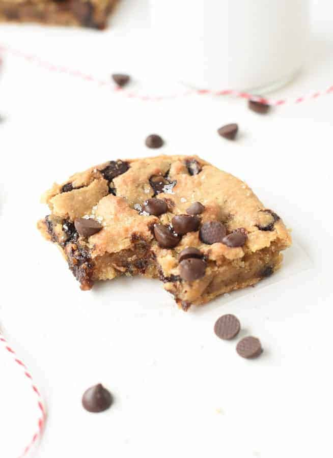 chickpea peanut butter blondie