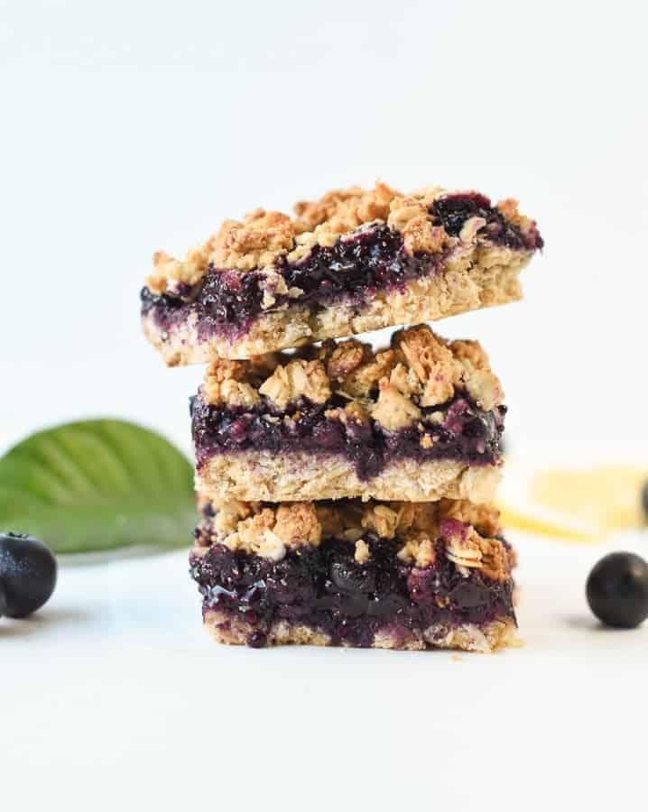 Healthy blueberry breakfast bars