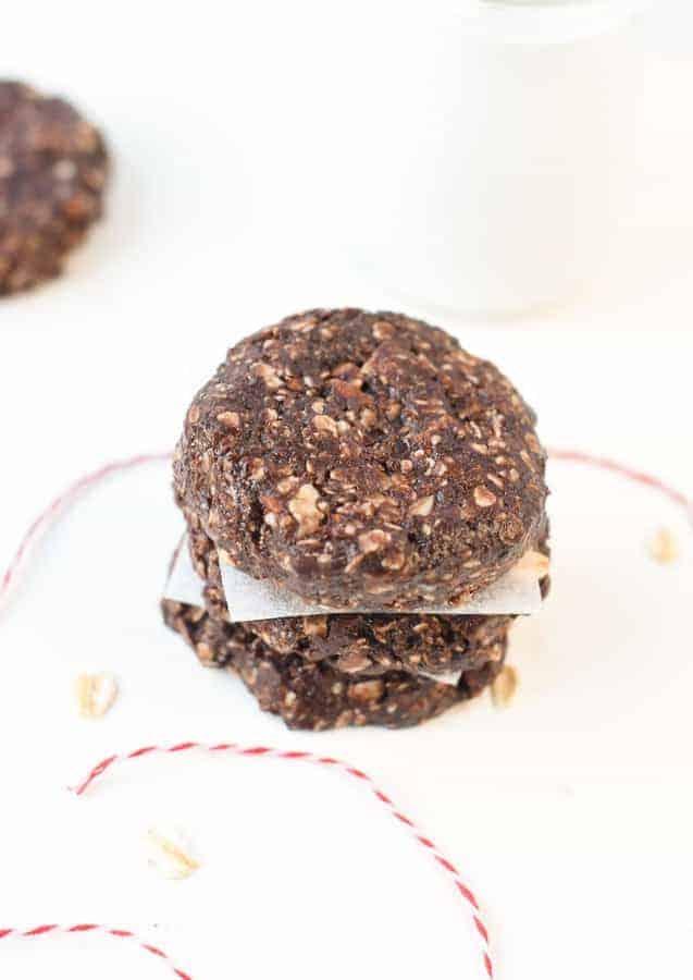 Healthy no bake oatmeal cookies