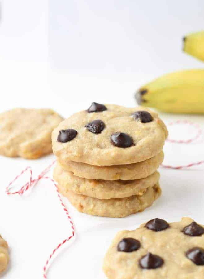 Healthy banana chocolate chips cookies