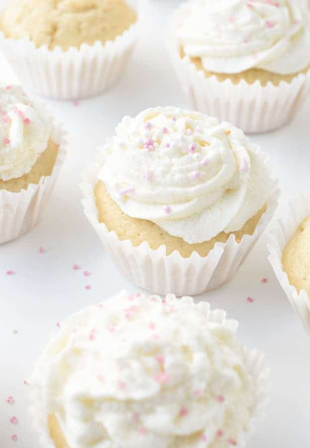 Easy Vegan Vanilla Cupcake