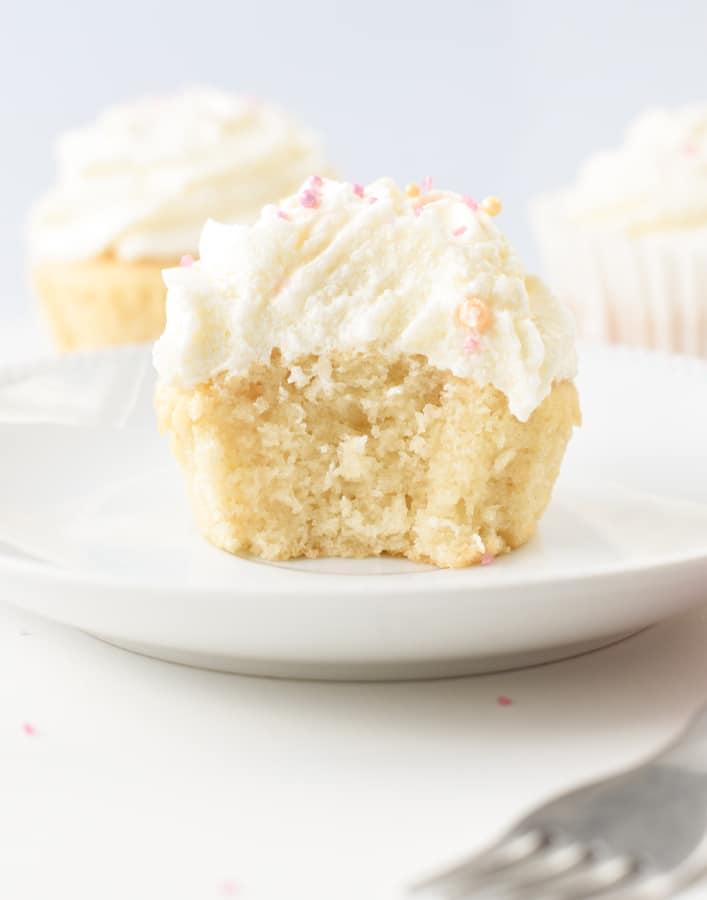 Healthy Vegan Vanilla Cupcakes