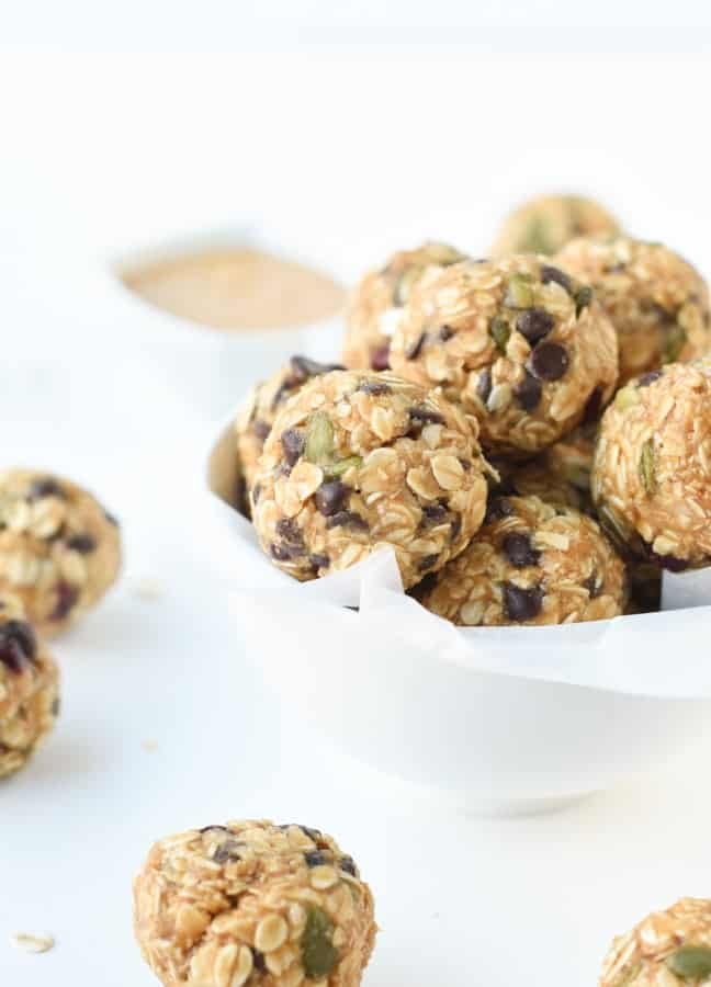 No bake peanut butter oatmeal balls-14