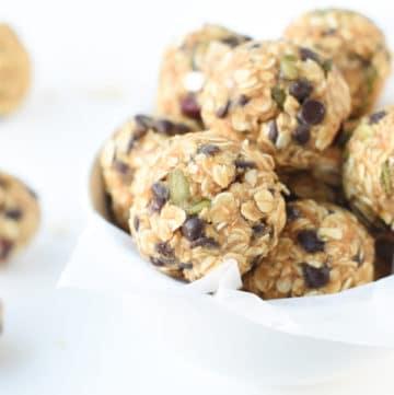 healthy no bake oatmeal balls