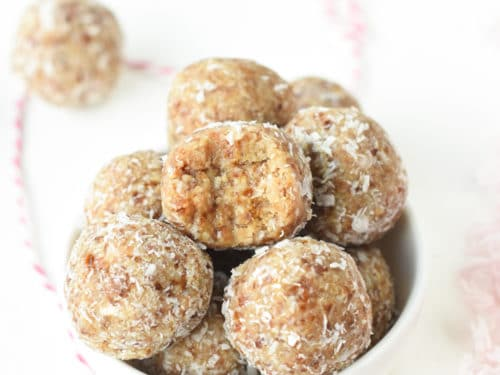 Coconut date almond balls