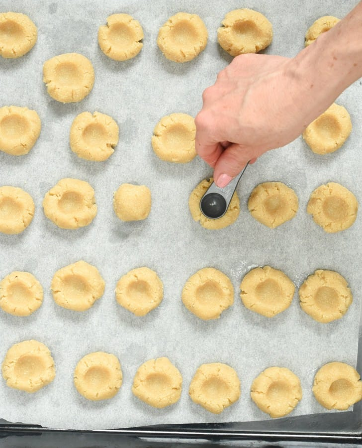 How to make almond flour thumbprint cookies