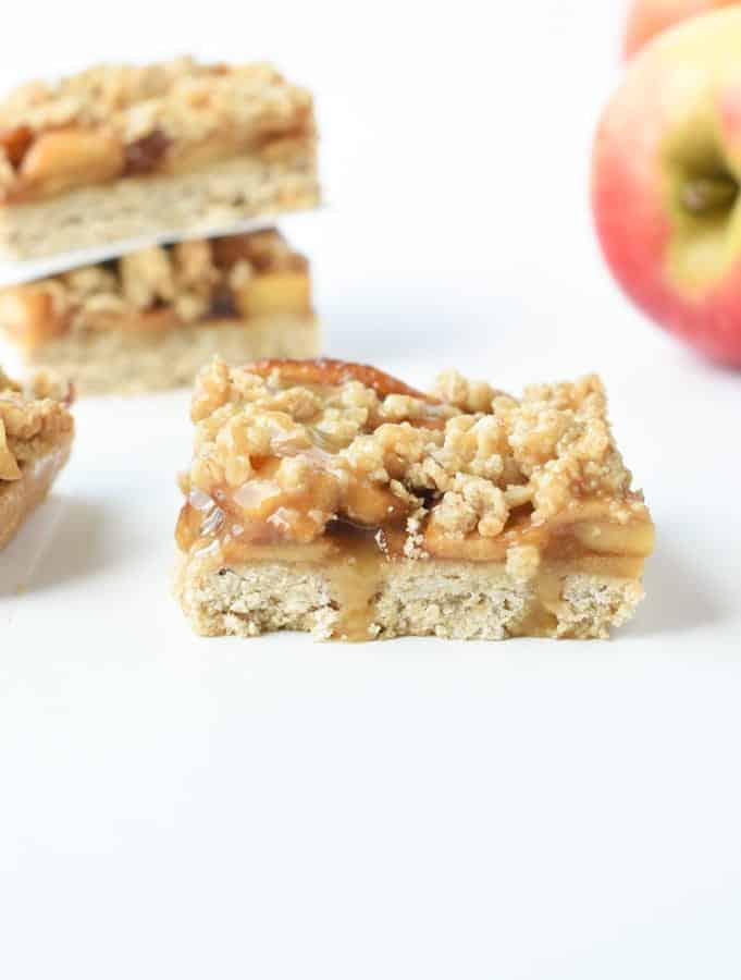 Vegan apple pie bars