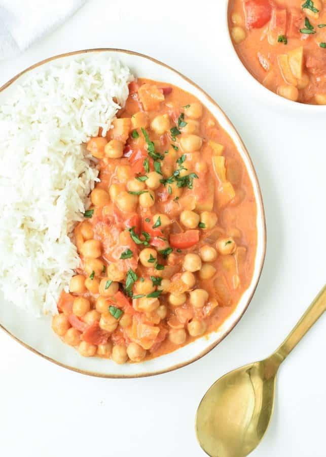 Creamy chickpea curry vegan