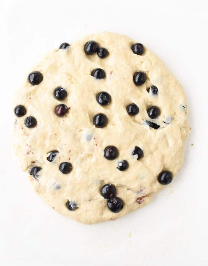 Vegan scones with blueberries