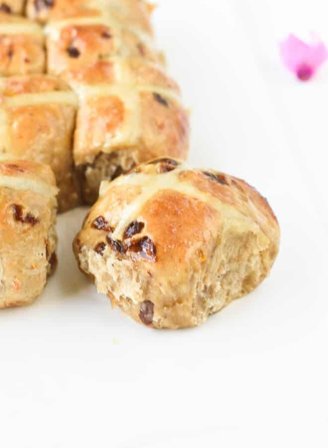 Vegan hot cross bun recipe