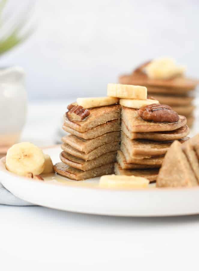 vegan 3 ingredients banana oat pancakes